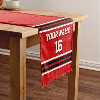 赤い白黒のチームジャージーカスタムな数名前 ミディアムテーブルランナー