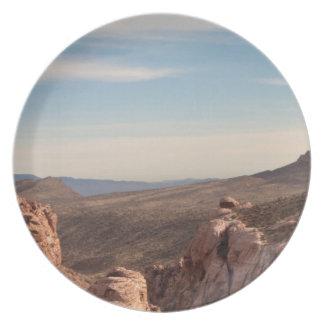 赤い石の景色 プレート