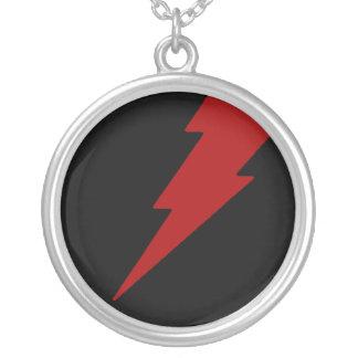 赤い稲妻 シルバープレートネックレス