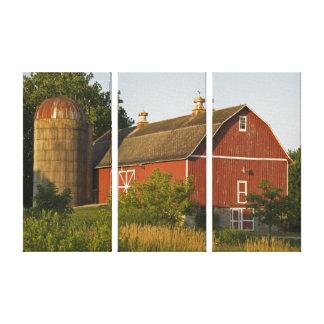 赤い納屋およびサイロ キャンバスプリント