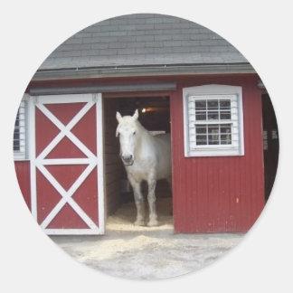 赤い納屋の白馬 ラウンドシール