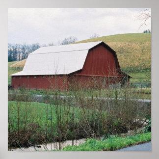 赤い納屋の銀の屋根 ポスター