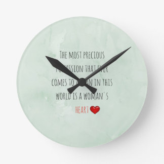 赤い聖者のバレンタインデー ラウンド壁時計
