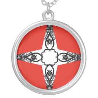 赤い背景の白黒十字 シルバープレートネックレス
