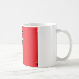 赤い背景の黒の葉 コーヒーマグカップ