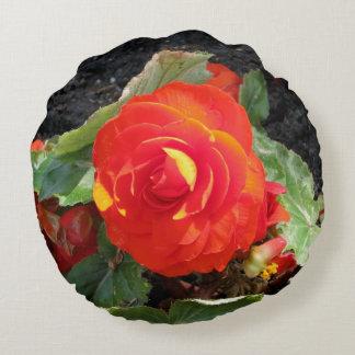 赤い花のクッション ラウンドクッション