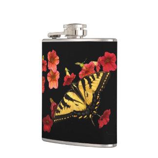 赤い花のトラのアゲハチョウの蝶 フラスク