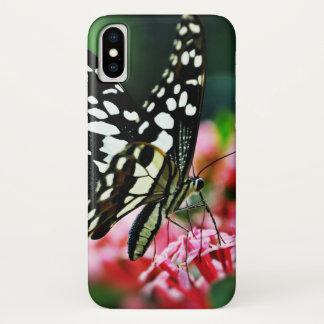 赤い花の美しい蝶 iPhone X ケース