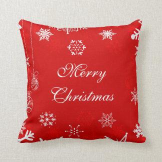赤い装飾のクリスマスの雪片 クッション