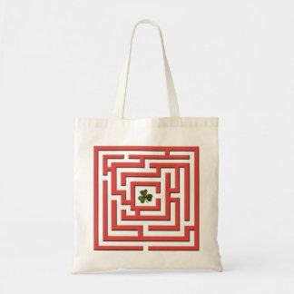赤い迷路の挑戦のシャムロック トートバッグ