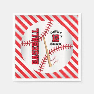 赤い野球の誕生日のデザイン は個人化なります スタンダードカクテルナプキン