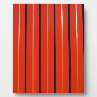 赤い金属の波形の薄板金 フォトプラーク