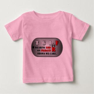 赤い金曜日の幼児のTシャツ ベビーTシャツ