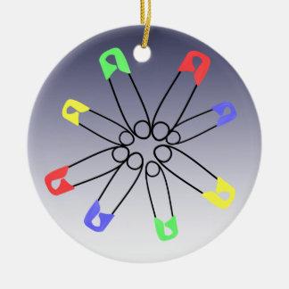 赤い青緑安全ピンの虹の団結 セラミックオーナメント