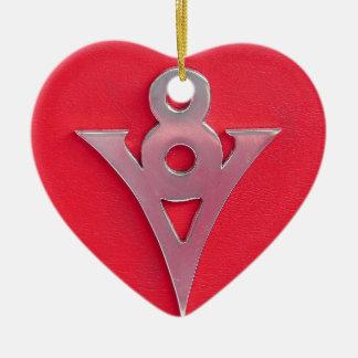 赤い革の錯覚のクロムV8の紋章 セラミックオーナメント