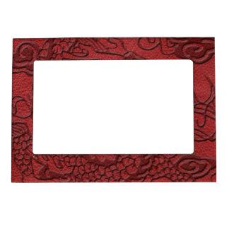 赤い革プリントのエンボスのドラゴン マグネットフレーム