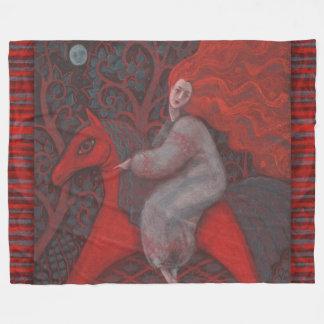 """""""赤い馬""""、ショウガの女性、民芸、地球の陰 フリースブランケット"""