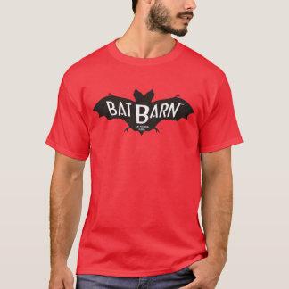 赤い「こうもり納屋」のTシャツ Tシャツ