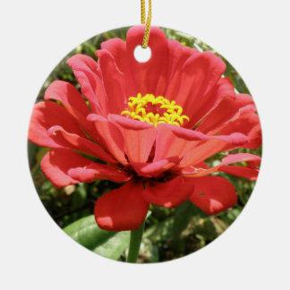 赤い《植物》百日草のカスタムの誕生日 セラミックオーナメント