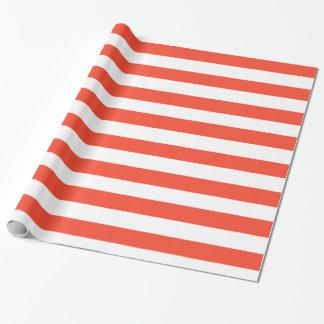 赤いDeckchairは縞で飾ります ラッピングペーパー