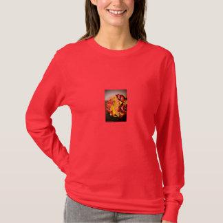 赤いlongsleevesのティーを結婚するKara及びLamart Tシャツ