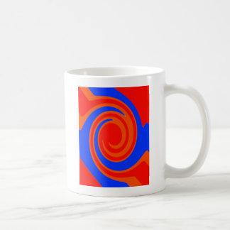 赤および青い渦巻 コーヒーマグカップ