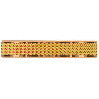 赤くおよび黄色のソフトボールの花模様 キーラック