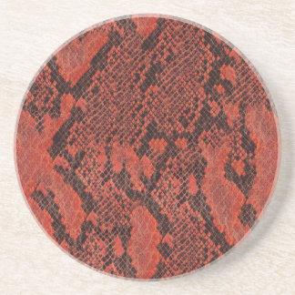 赤くおよび黒いスネークスキン コースター