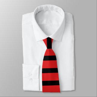 赤くおよび黒いラグビーのストライプのタイ ネクタイ