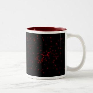 赤くおよび黒い星明かりの夜空 ツートーンマグカップ
