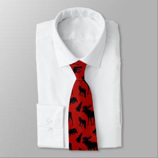 赤くおよび黒い森林パターン ネクタイ