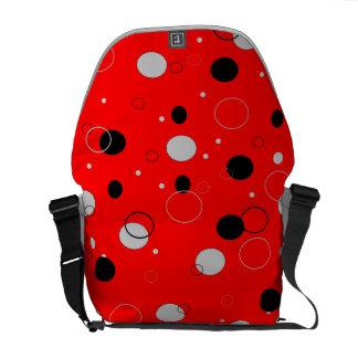 赤くおよび黒い点 メッセンジャーバッグ
