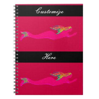 赤くか黒い水泳のピンクの人魚 ノートブック