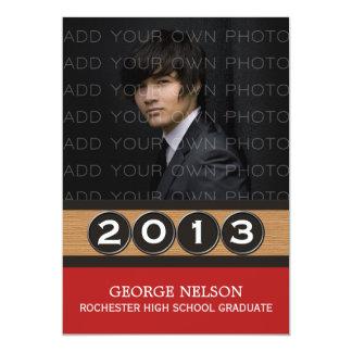 赤く上品な鍵の卒業の招待状 カード