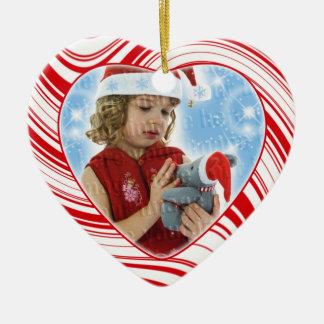 赤く及び白いキャンディ・ケーンのカスタムなクリスマスのオーナメント セラミックオーナメント