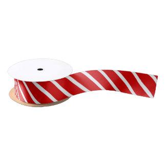 赤く及び白い対角線のストライプなリボン サテンリボン