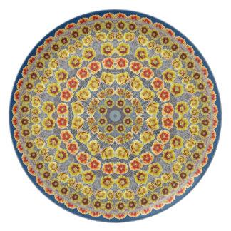 赤く及び黄色のウチワサボテンサボテンの曼荼羅のプレート プレート