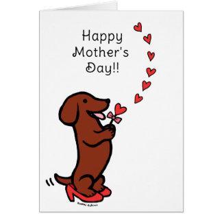 赤く滑らかなダックスフントの母の日のハート グリーティングカード
