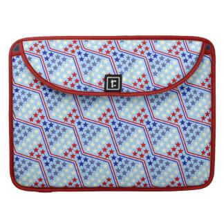 赤く白いおよびブルースターおよびジグザグ形のストライプなパターン MacBook PROスリーブ