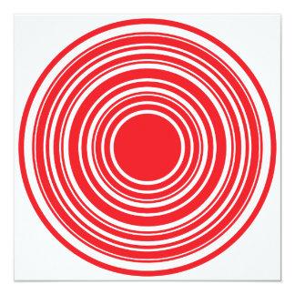 赤く白い同心円の雄牛目のデザイン カード