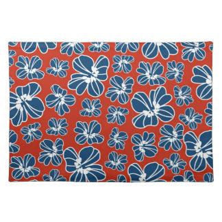 赤く白くおよび青の愛国心が強い花柄 ランチョンマット