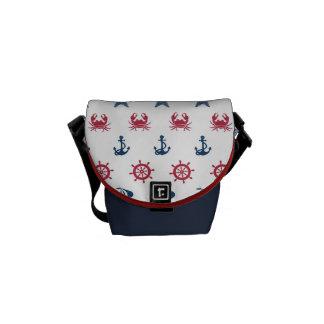 赤く白くおよび青の海の記号パターン メッセンジャーバッグ
