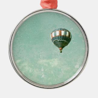 赤く白くおよび青の熱気の気球 メタルオーナメント