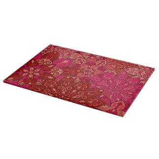 赤く、ピンクの曼荼羅パターン カッティングボード