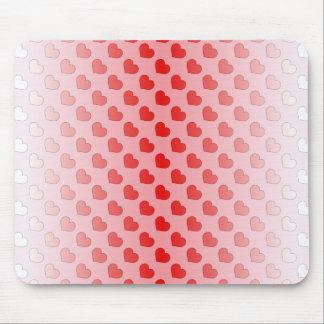赤く、ピンクシナモンキャンデーのハート マウスパッド