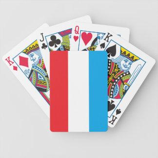 赤く、白くおよび青のカジノカード バイスクルトランプ