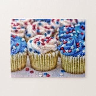 赤く、白くおよび青のカップケーキ ジグソーパズル