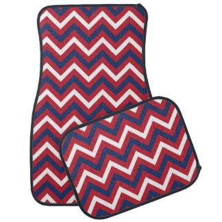 赤く、白く、および青のジグザグパターン カーマット