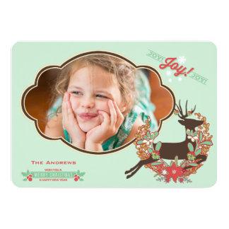 赤く、真新しいシカのクリスマスの休日の写真カード カード