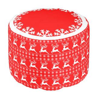 赤と白のクリスマスのトナカイの雪片パターン プーフ
